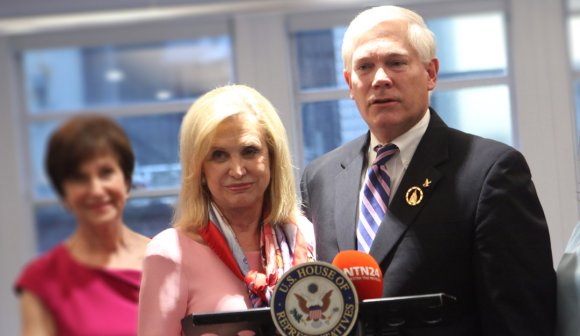 Rep. Carolyn Maloney (D-NY) and Rep. Pete Sessions (R-TX) couldn't be more opposite politically, but they came together as the initial sponsors of the Breast Cancer Commemorative Coin Act in Congress.